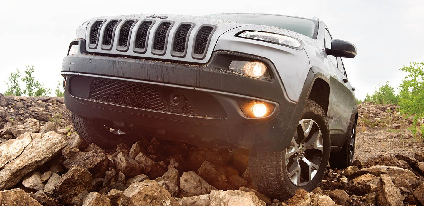 Jeep Cherokee Lifestyle - Off-road
