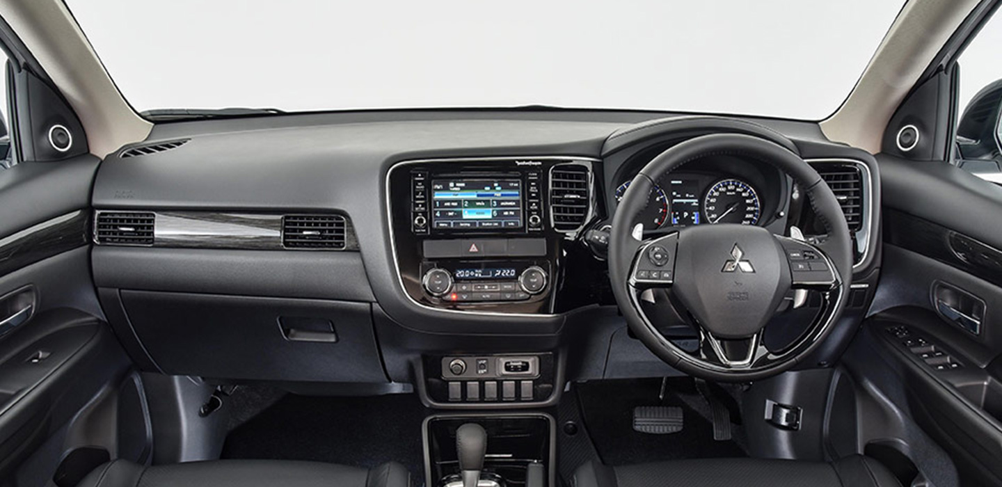 Mitsubishi Outlander Interior - Dashboard