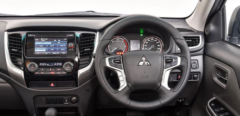 Mitsubishi Triton Interior Console