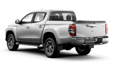 Mitsubishi Triton 2019 Side View